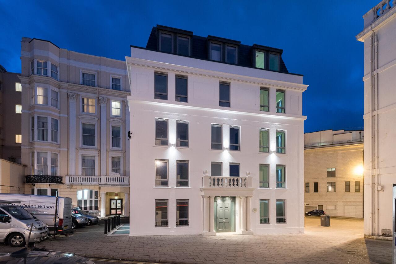 Hapa architects lace house brighton for Brighton house